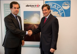 Javier Benjumea, director general de DETECTOR y Santiago Pérez, director general de Travel Club.